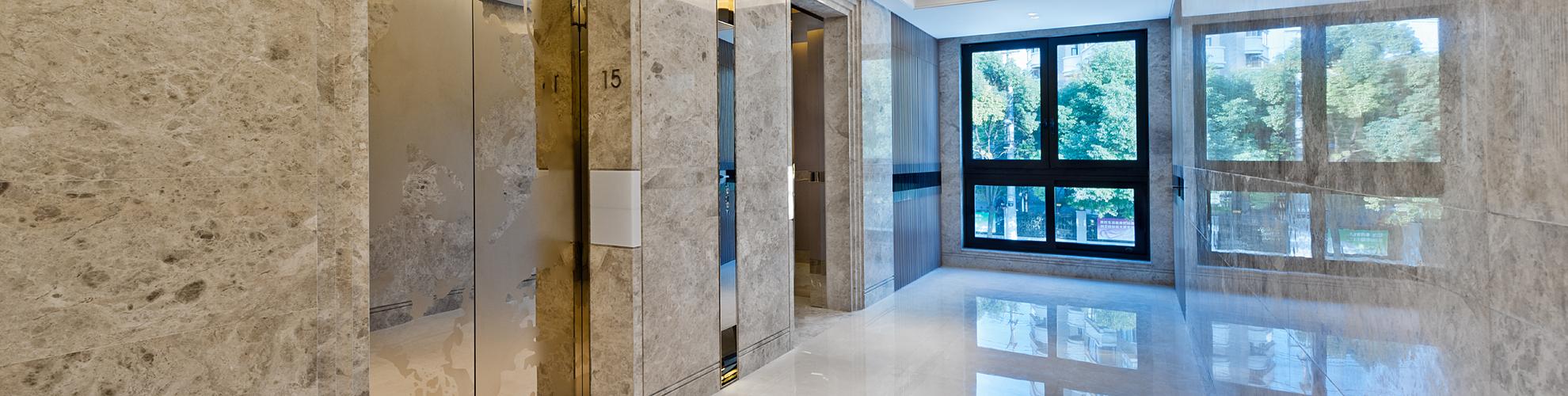 Pavimentazione e rivestimento parete in marmo